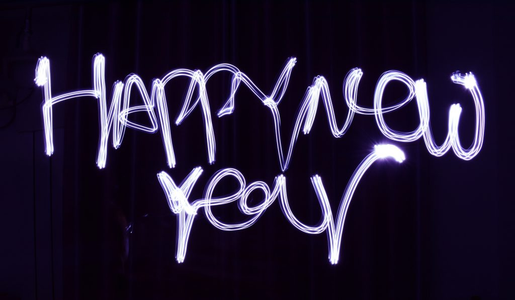 Best New Year's Messages And Wishes For Friends And Family