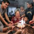 birthday mom with family, happy birthday wishes mother